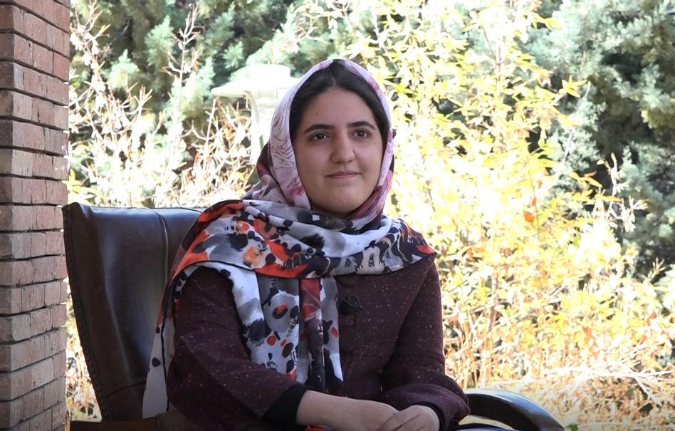 نسترن احمدی مقیم: دانشجوی داروسازی همدان