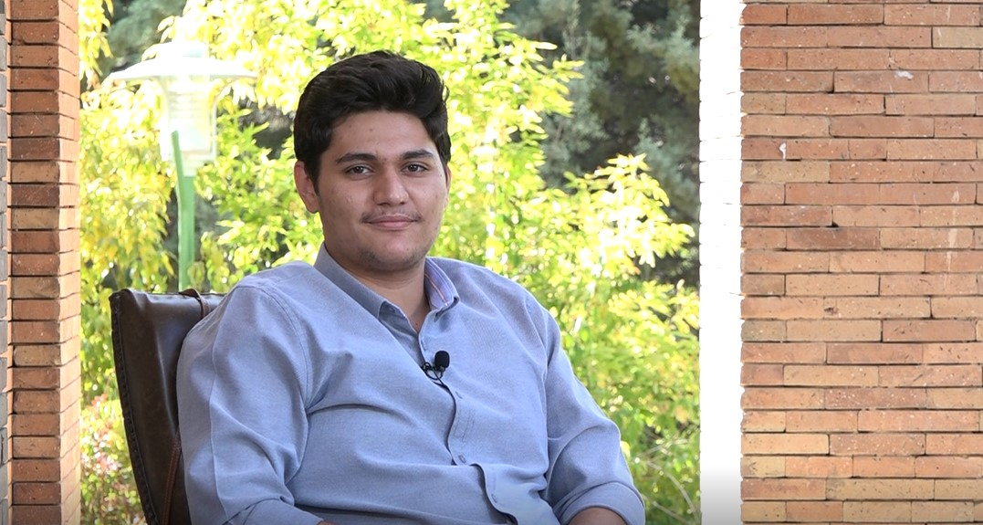 مهدی رضایی:رتبه 252 دانشجوی پزشکی همدان