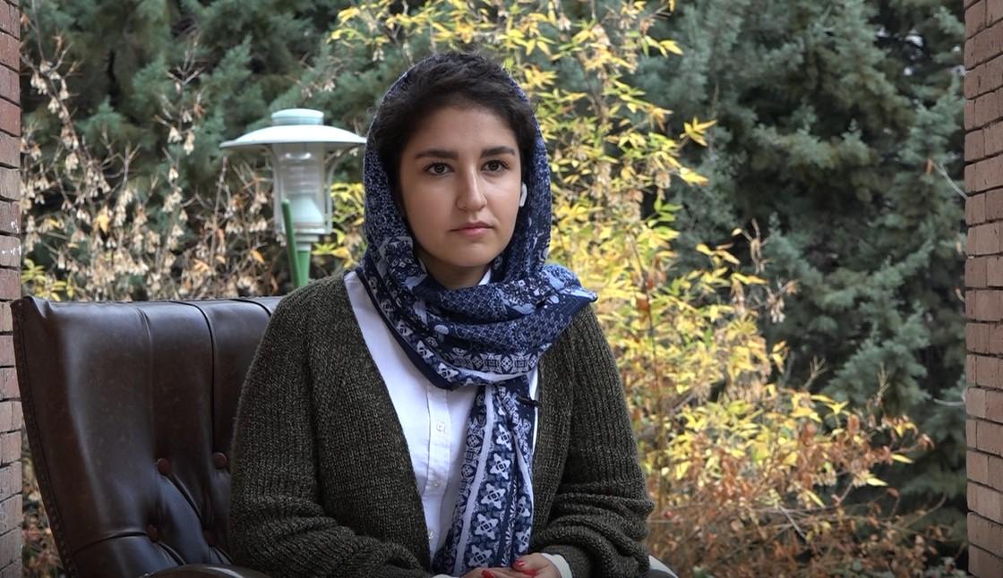 گلناز شاکری: دانشجوی رشته ی داروسازی شهید بهشتی